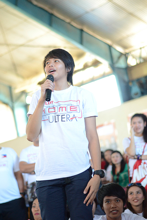 Ara Galang of Team Amihan shares her experiences and tips with the crowd
