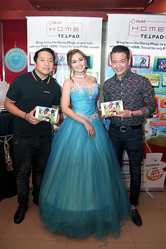 Modern-day princess with PLDT HOME Vice President and HOME Marketing Head Gary Dujali (left) and Vice President and HOME Voice Solutions Head Patrick Tang (right)