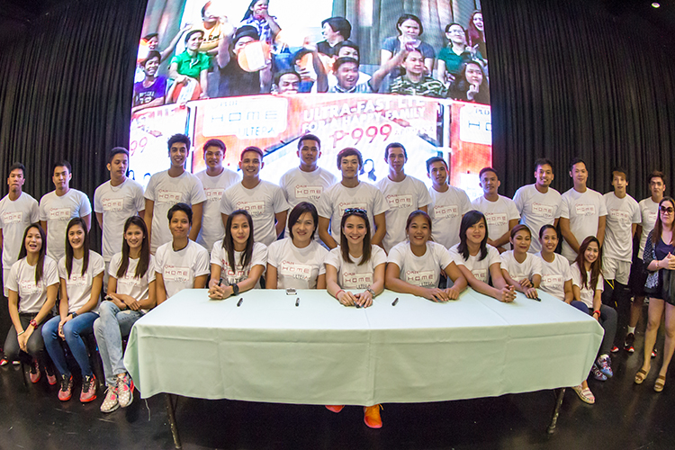 Existing and new subscribers of PLDT HOME Ultera were given a chance to meet and greet the Amihan and Bagwis players