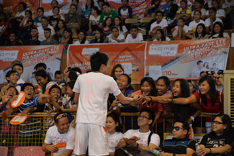 Bagwis volleyball superstar Peter Torres showed great appreciation for his local admiring fans.