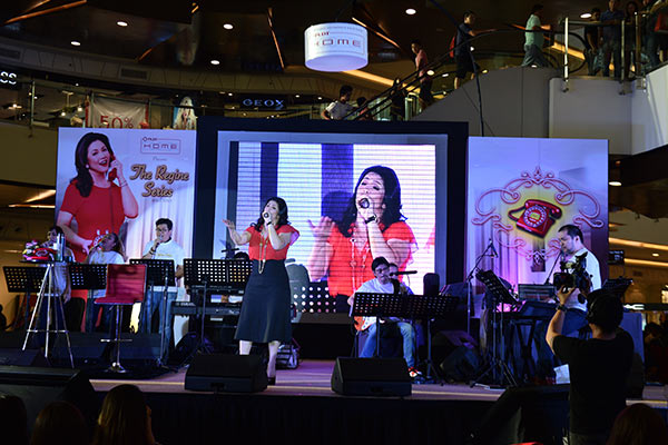 Regine Velasquez is back on the stage with a new concert series dubbed the The Regine Series Mall Tour.