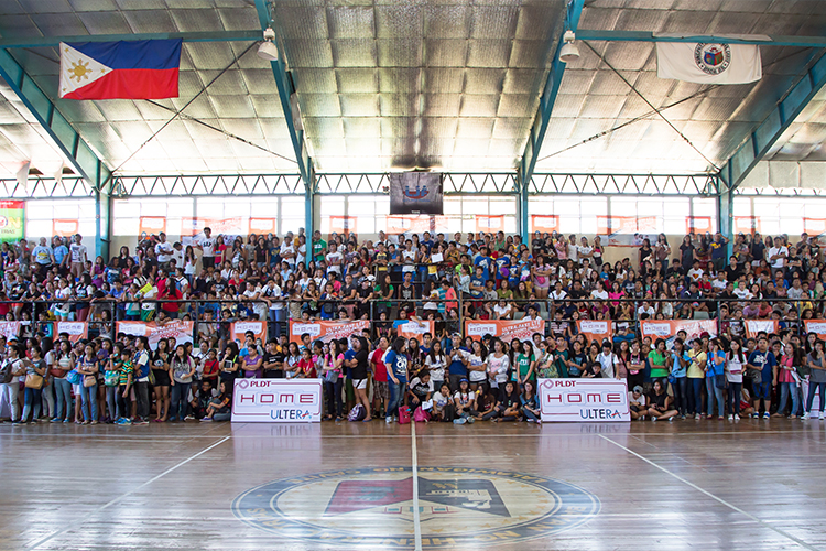 Residents of General Trias, Cavite were treated to an action-packed day of volleyball as PLDT HOME Ultera Install Patrol brought to them the volleyball superstars of the country