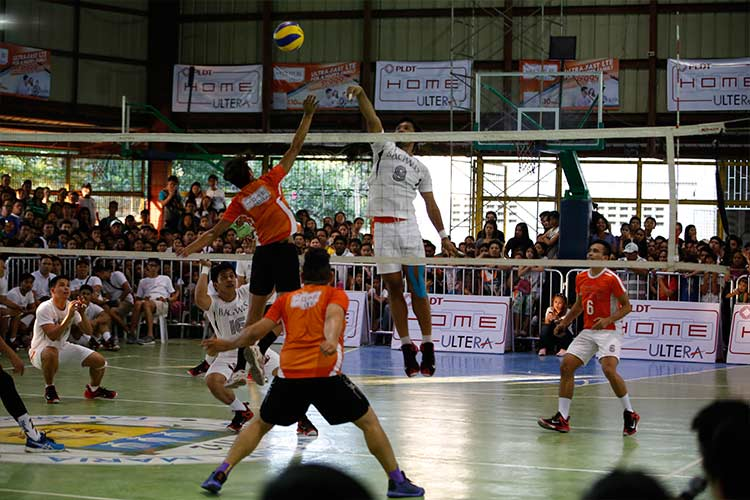 The exhilaration in the gym hit an all-time high during the exhibition game between the Bagwis team and Bulacan's men's volleyball team.